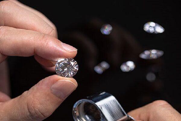 Identificare diamante sintetico